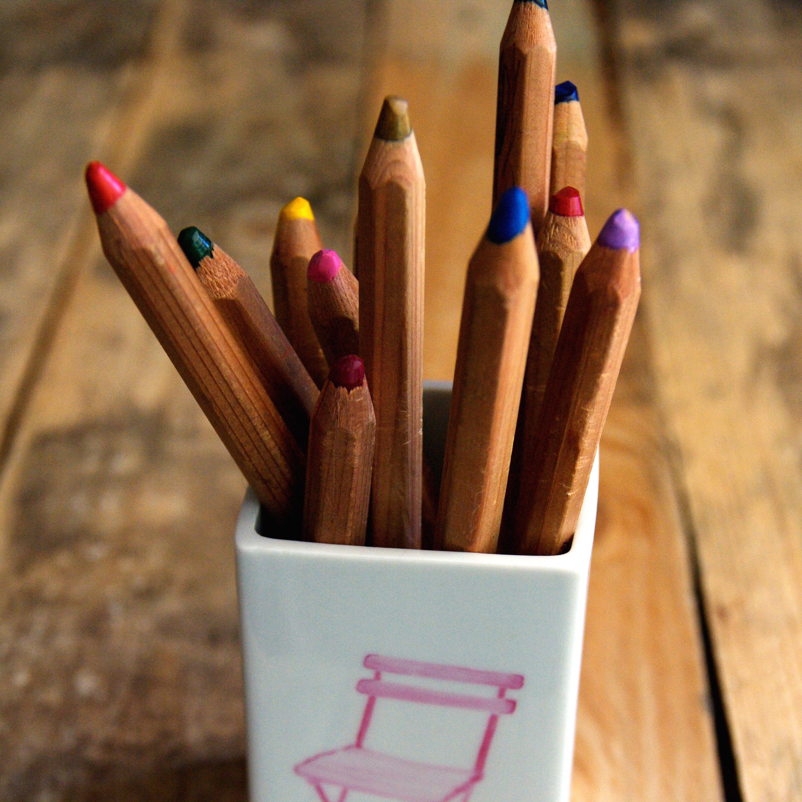 Pot à crayons 15 à 17 €