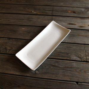 idée de support en porcelaine plat à sushis