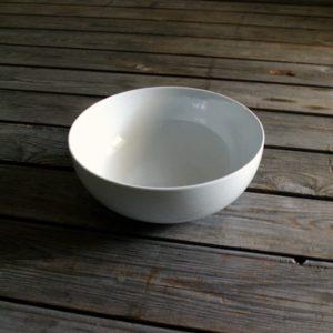 idée de support en porcelaine saladier rond