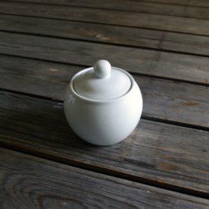 idée de support en porcelaine sucrier