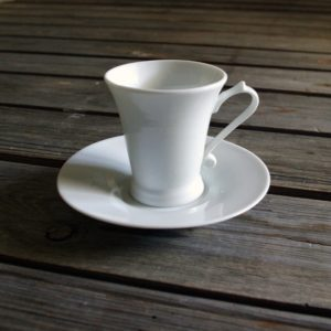 idée de support en porcelaine tasse à café régence