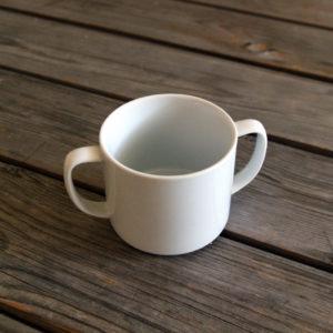 idée de support en porcelaine tasse pour bébé avec anses