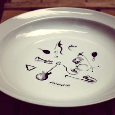 motif musique plat porcelaine